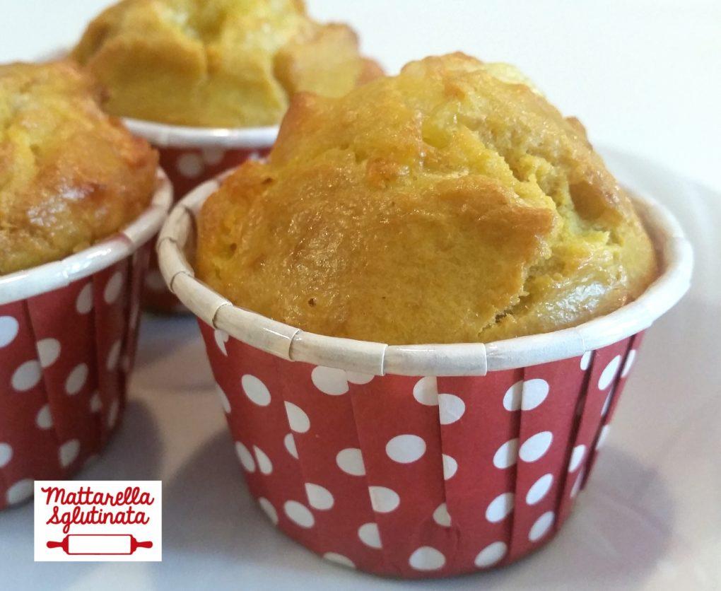 Muffin salati con prosciutto e formaggio