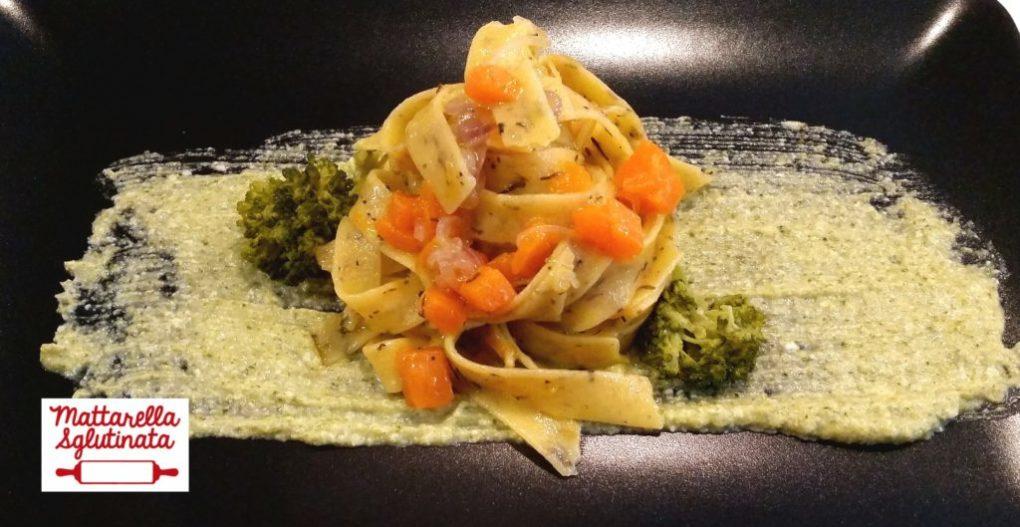 Pappardelle timo e salvia su crema di broccoli con dadolata di zucca